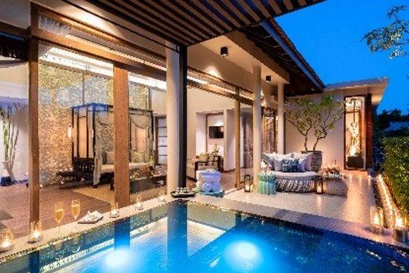 Jacuzzi Pool Suite