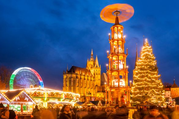 Erfurt Christmas market with Christmas pyramid
