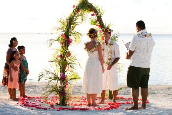 Get wed in the Cook Islands