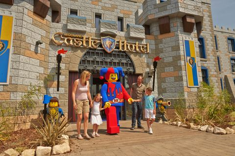 LEGOLAND Windsor Resort new Castle Hotel now open!