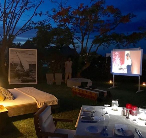 Open air private screening