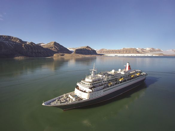 Fred. Olsen Cruise Lines' Black Watch in Spitsbergen