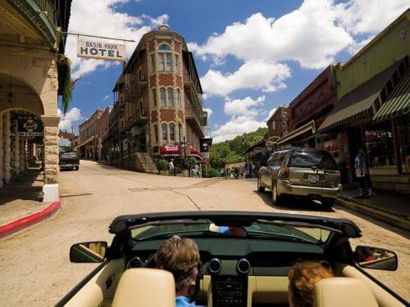 Entering Eureka Springs Arkansas' Historic Downtown
