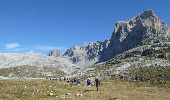 RAMBLERS WALKING HOLIDAYS 10 PERFECT PEAKS - Dolomites